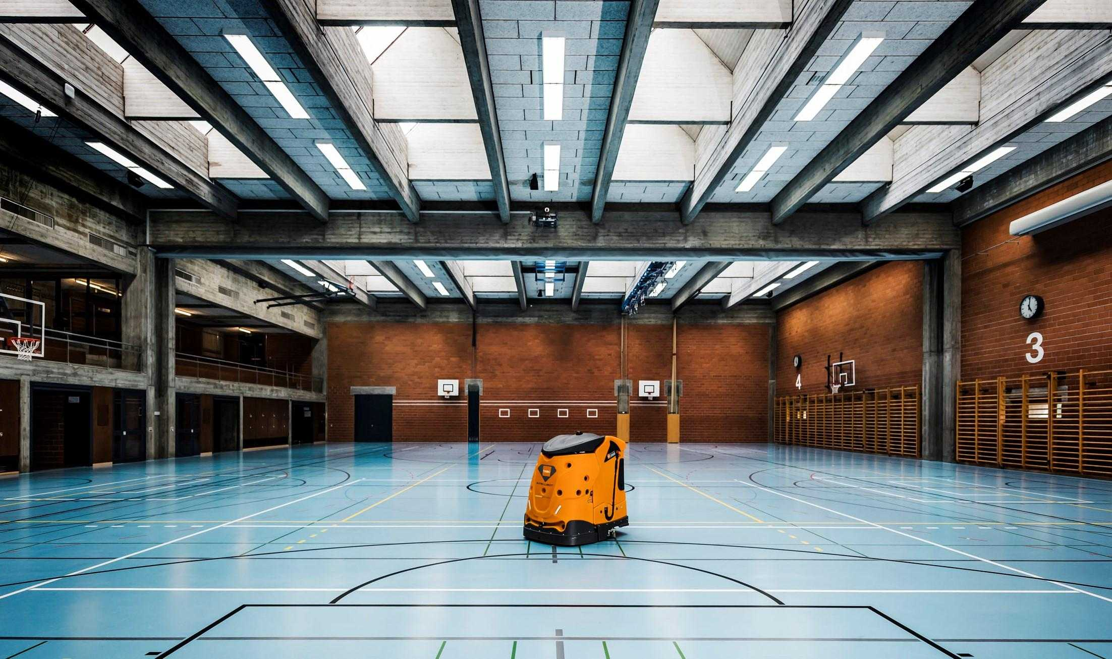 Swingobot_2000_Turnhalle_125
